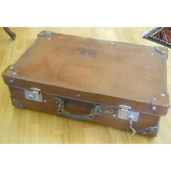 Valigia antica in cuoio